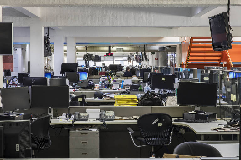 Folha's Newsroom during the coronavirus outbreak