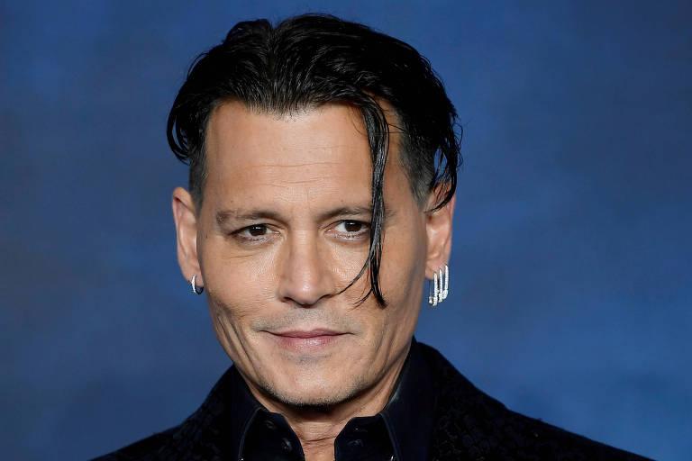 Johnny Depp diz que Amber Heard não doou dinheiro prometido e quer novo julgamento