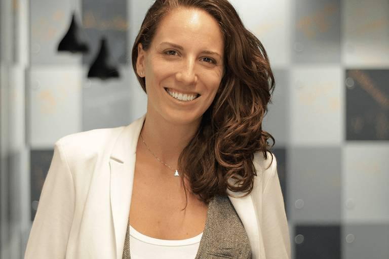 Retrato de Camilla Junqueira, diretora-geral da Endeavor