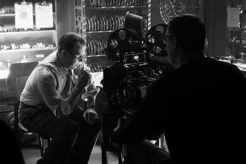 David Fincher filma Gary Oldman no filme
