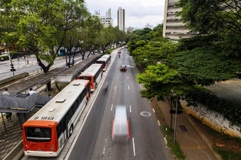Movimentação na avenida Rebouças