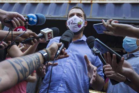 Boulos recebe diagnóstico de Covid e inicia isolamento; debate da Globo é cancelado