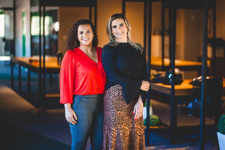 Natiele Krassmann e Veronicah Sella, sócias da Criamigos Pelúcias