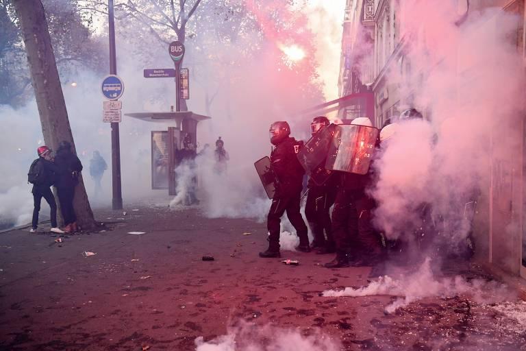 Milhares protestam contra lei de segurança na França após novos casos de violência policial