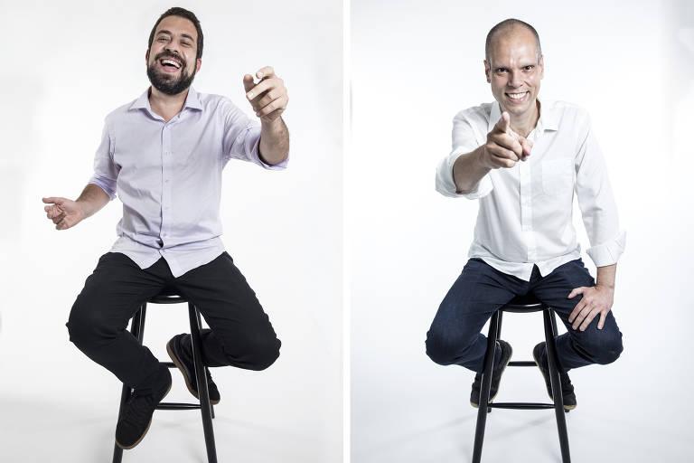 Montagem com as fotos dos dois candidatos sentados em banquetas, à esquerda, Guilherme Boulos, que sorri largamente e está com os braços para cima. À direita, Bruno Covas, que sorri e aponta o dedo para a câmera.
