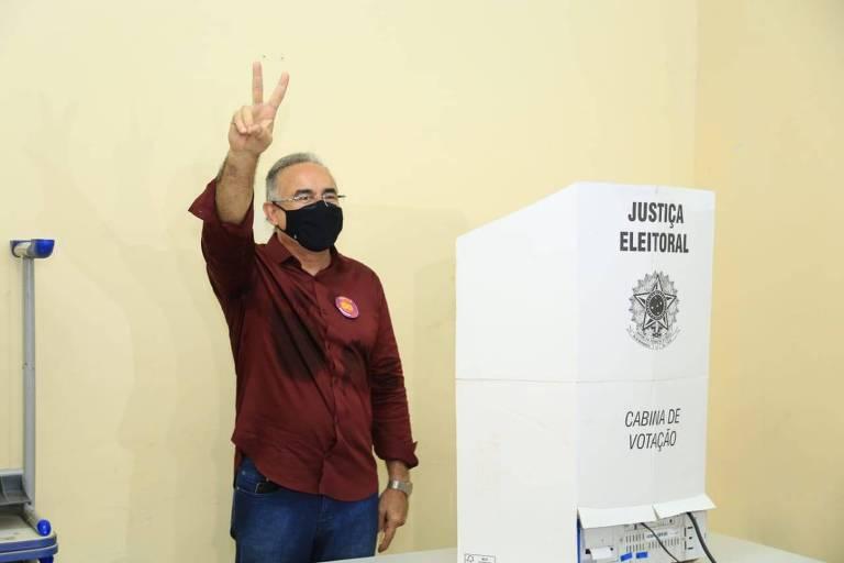 Edmilson Rodrigues (Psol), que venceu a eleição em Belém