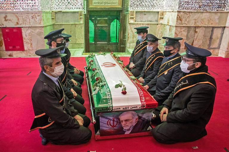 Velório de cientista nuclear iraniano