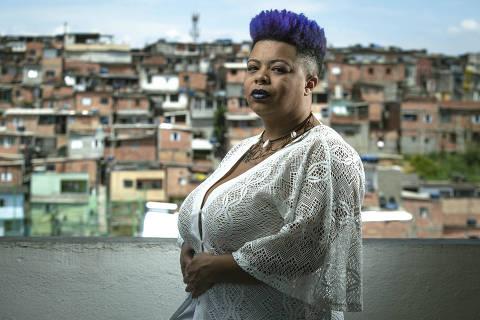 SÃO PAULO, SP, BRASIL, 27-11- 2020, 10h: Sobe diagnóstico de HIV durante a gestação -  Retrato da atriz Priscila Obaci, que descobriu o HIV na primeira consulta de pré-natal do segundo filho. Fez tratamento com retroviral e a criança nasceu  sem o vírus.(Foto: Jardiel Carvalho/Folhapress - COTIDIANO). **EXCLUSIVO  FOLHA**