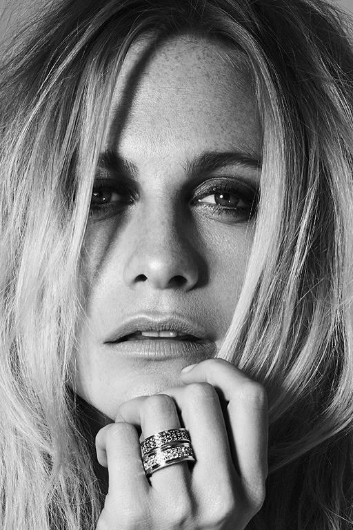 Imagens da atriz Poppy Delevingne