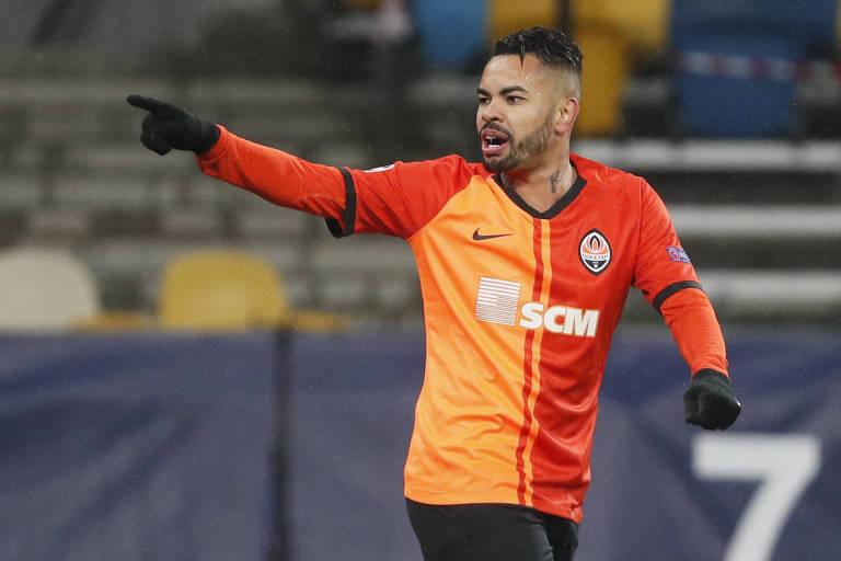 Ex-Corinthians, Dentinho marca um dos gols do Shakhtar na vitória sobre o Real Madrid