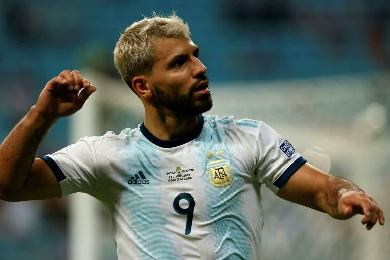 O argentino Agüero se posicionou contra a disputa da Copa América no Brasil