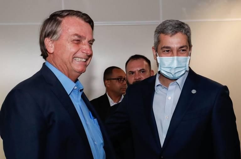 Bolsonaro visita obra de ponte entre Brasil e Paraguai
