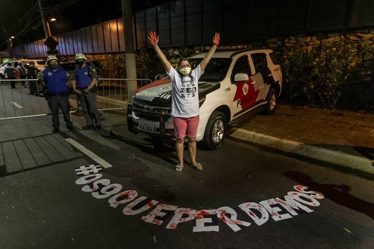 Justiça de SP aceita denúncia e 12 PMs viram réus por mortes em favela de Paraisópolis