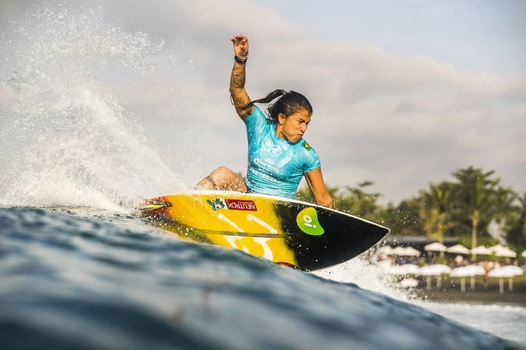 As brasileiras que lutam por medalha olímpica nas ondas do Japão