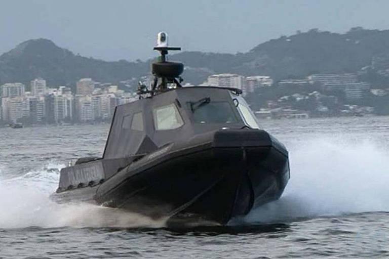 Lancha do modelo Interceptor, da fabricante brasileira DGS Defense, operada pela Polícia Federal