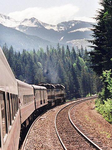 O trem  Rocky Mountaineer Railtours, que sai de Vancouver e atravesa as Montanhas Rochosas até Banff.          [FSP-Turismo-01.06.98]*** NÃO UTILIZAR SEM ANTES CHECAR CRÉDITO E LEGENDA***