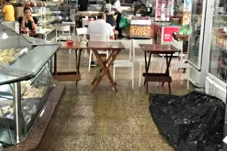 Morador de rua morre em padaria em Ipanema
