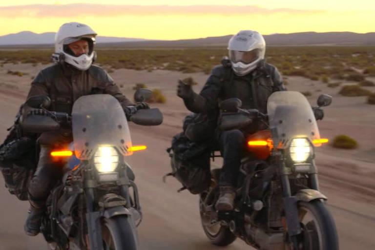 Ewan McGregor enfrenta perrengues com moto elétrica em seriado