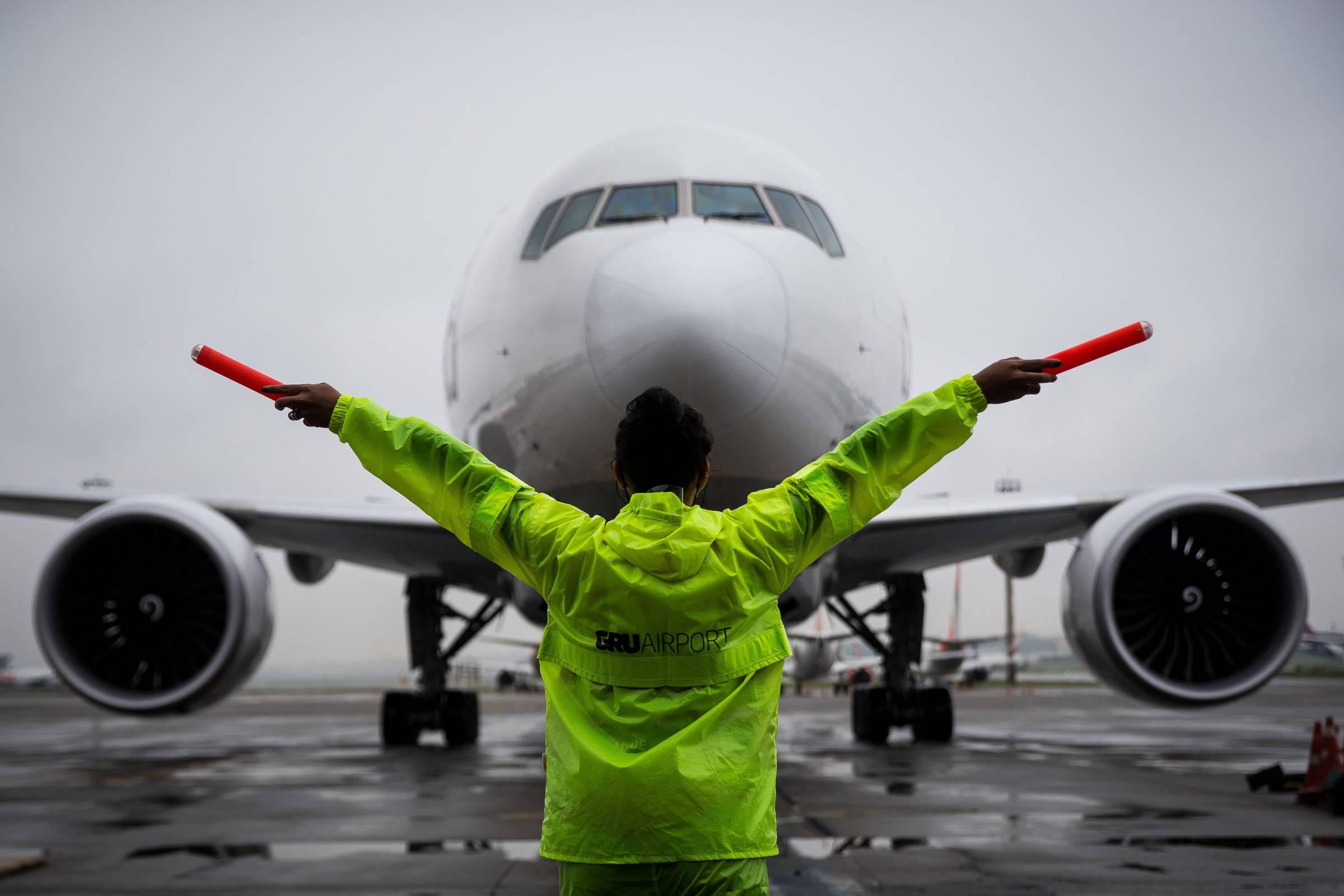 Companhias aéreas começam a preparar voos para os EUA
