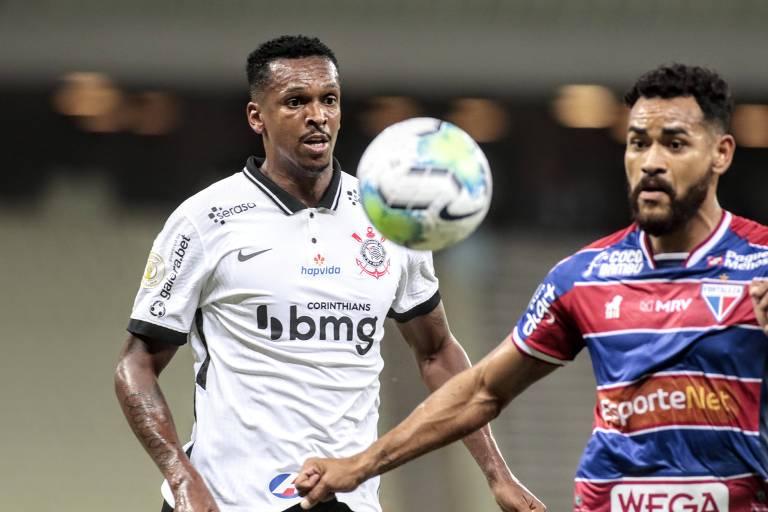 Corinthians fica com um a menos e empata com Fortaleza pelo Brasileiro