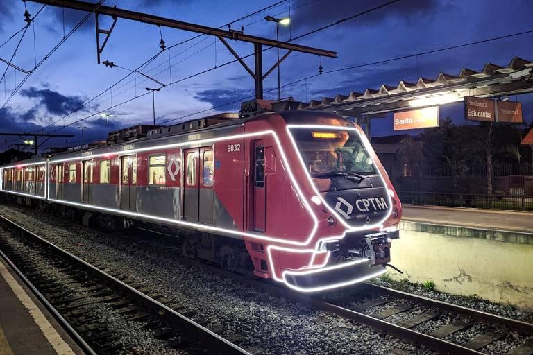 Transporte público da capital tem decoração de Natal