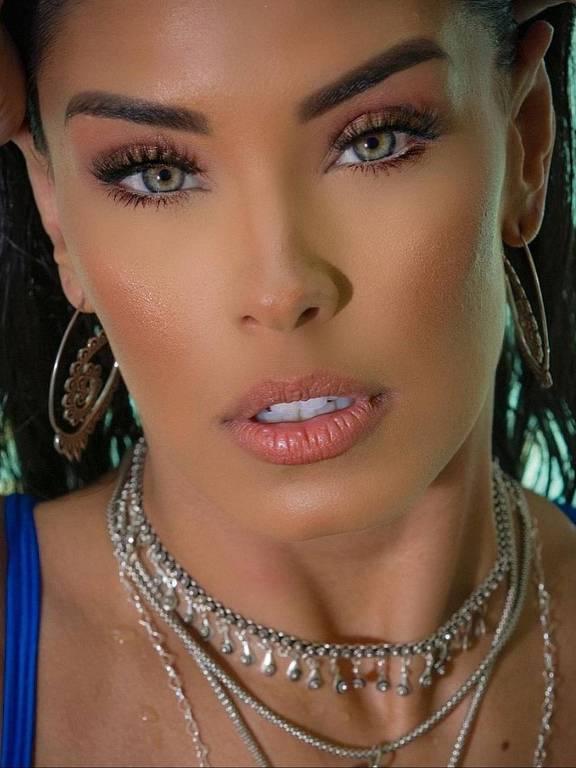 Imagens da modelo Ivy Moraes