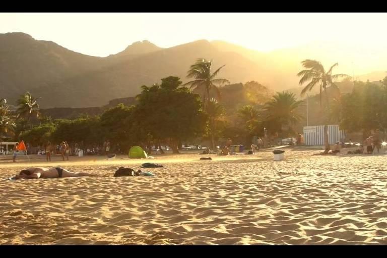 Praia nas Ilhas Canárias, na Espanha