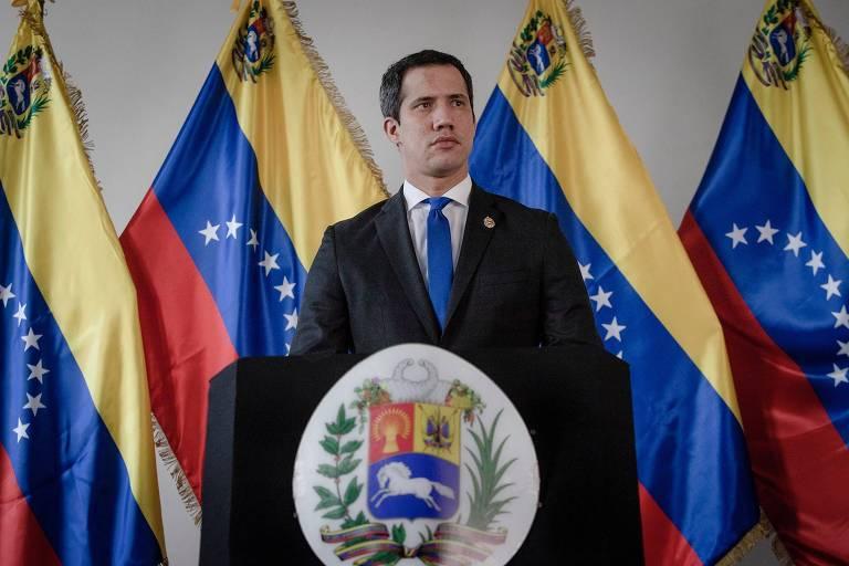 Juan Guaidó em um pulpito