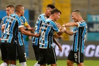 Copa Libertadores - Gremio v Guarani
