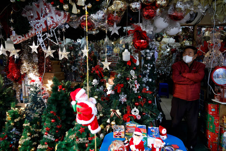 Coreia do Sul teme 3ª onda 'irrefreável' de Covid-19 e recomenda Natal online