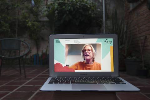 SAO PAULO -SP - 25/11/2020 - ILUSTRADA  FLIP - FOTO DA Mesa 4  com Eileen Myles transmitida pela internet por conta da pandemia da COVID-19. FOTO MARLENE BERGAMO/Folhapress. 017 -  SELENE 586288