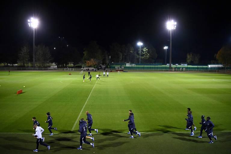 Jogadores da seleção da França em treino no CT de Clairefontaine