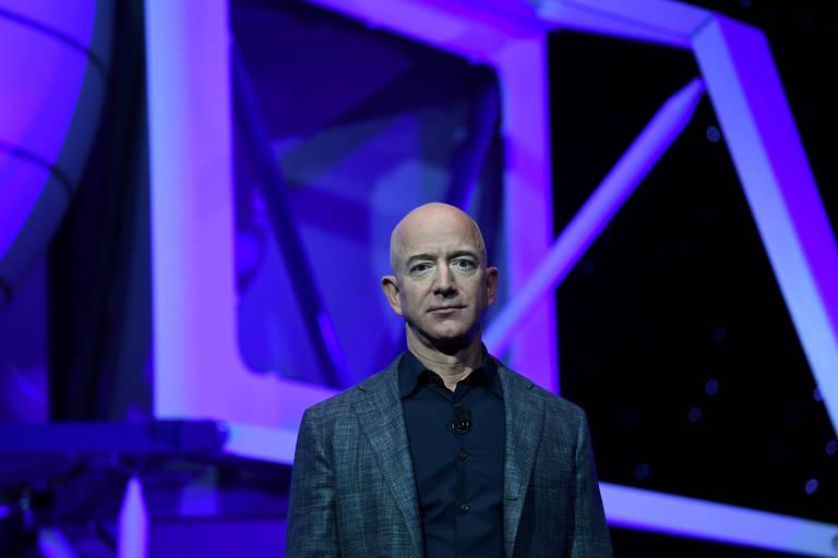 Jeff Bezos diz que sua empresa levará primeira mulher à superfície da Lua