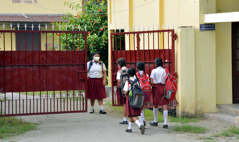 Países mantém escolas abertas na pandemia