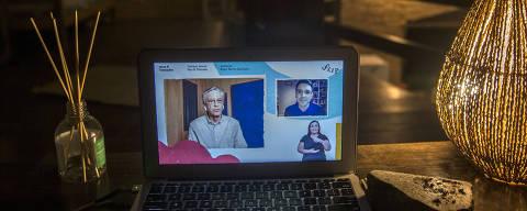 SÃO PAULO - SP 05/12/2020 -  FLIP ON LINE Mesa 8 com  Caetano Veloso e Paul Preciado,  que tem transmissão online por conta da pandemia da Covid-19 . Foto Marlene Bergamo/Folhapress (017). - Selene 586289