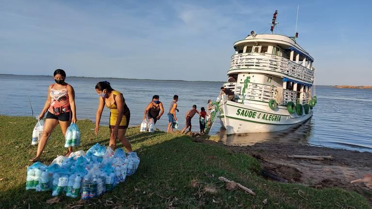 Distribuição de alimentos e kits de limpeza do projeto Com Saúde & Alegria Sem Corona