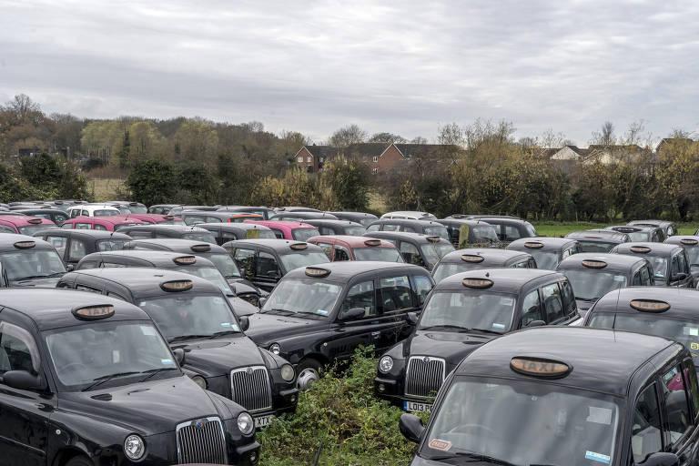 'Sonhos desfeitos': crescem cemitérios de táxis em Londres
