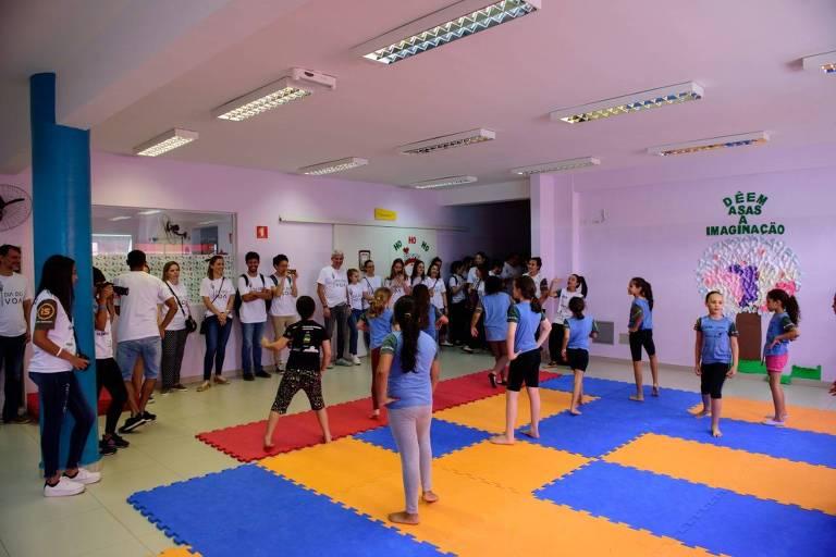 ações das ONGs com crianças