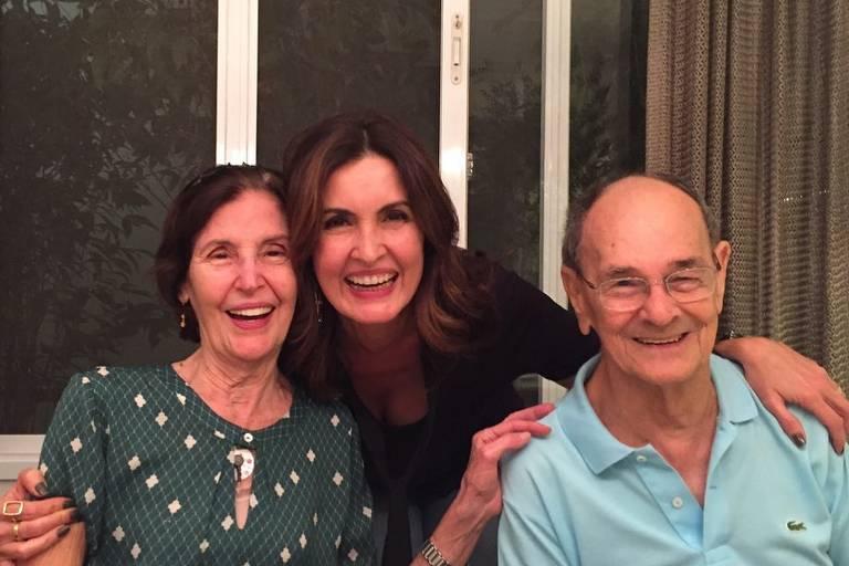 Fátima Bernardes com os pais Eunice Gomes Bernardes e Amâncio da Costa Bernardes