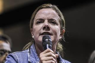Gleisi reeleita presidente do PT