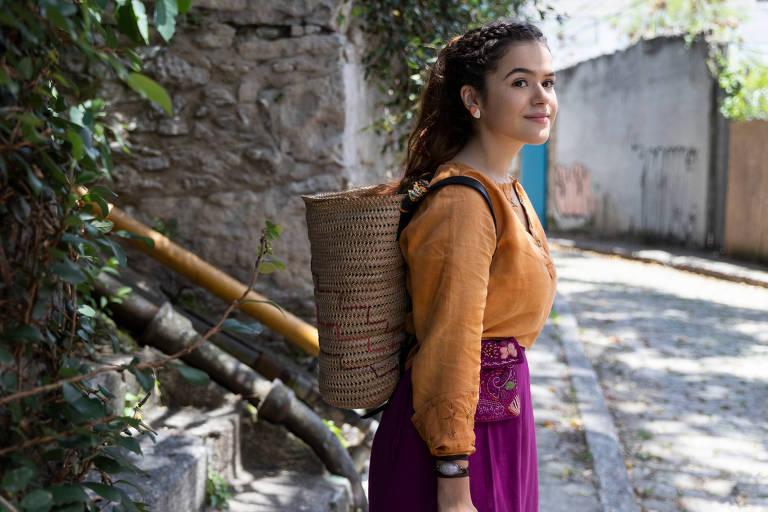 Maisa Silva como Vicenza em 'Pai em Dobro'