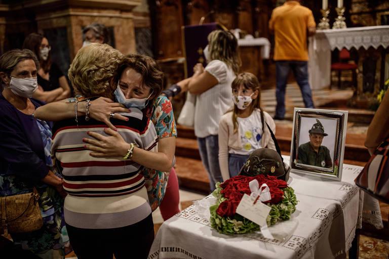 Em Bergamo, sobreviventes da pandemia carregam cicatrizes invisíveis e incalculáveis