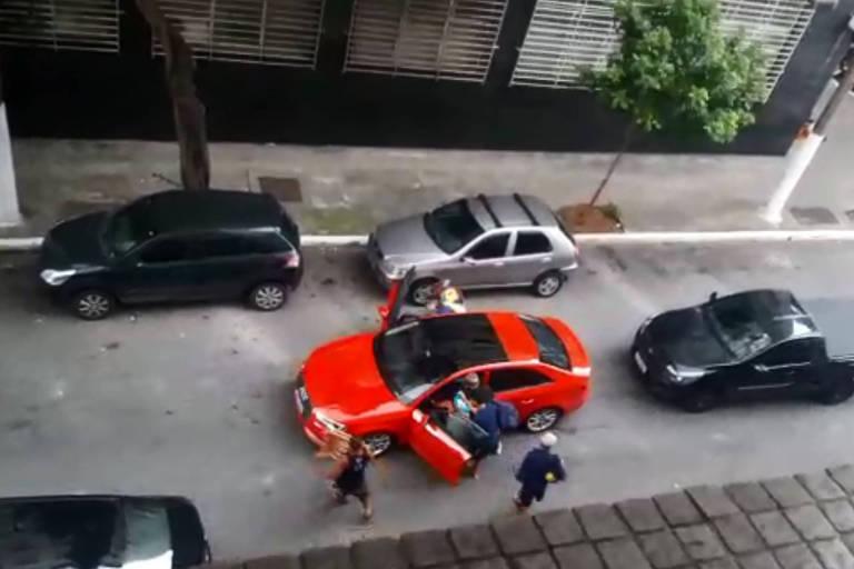 Arrastão na região da Cracolândia ameaça moradores e comerciantes do centro de SP; veja vídeo