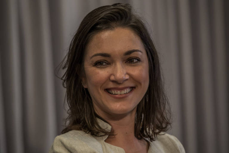 Ilona Szabó participa de encontro de colunistas da Folha em 2019