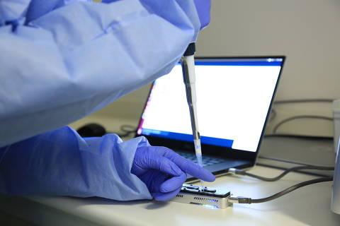 Cientistas que pesquisam Covid-19 ficam de fora dos grupos prioritários para a vacina