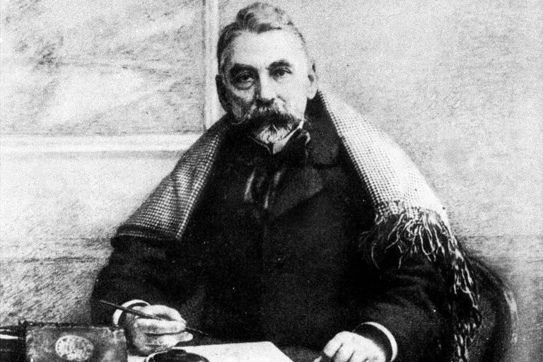 O poeta francês Stéphane Mallarmé (1842-1898)