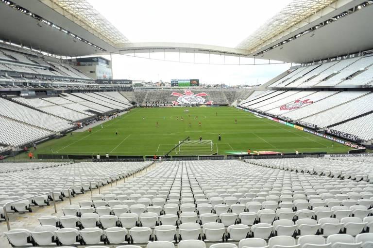 Os estádios paulistas, como a Neo Química Arena, continuam vazios e agora os gramados também estarão, pelo menos até o fim do mês