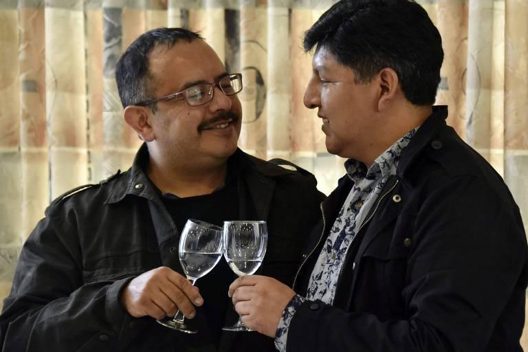 Bolívia reconhece pela primeira vez união de casal do mesmo sexo