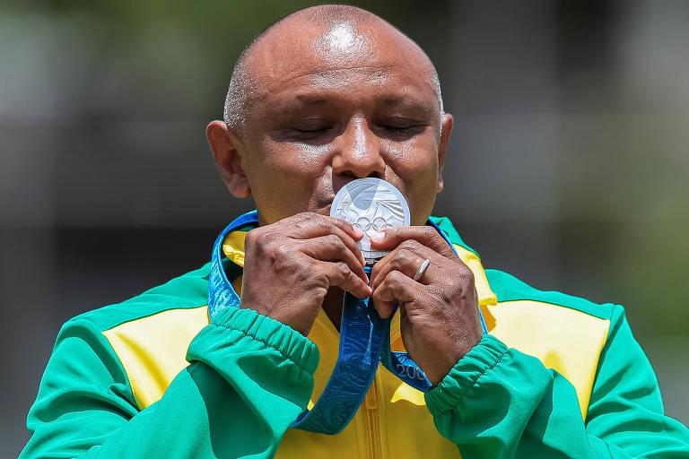 Prata em Sydney, velocista brasileiro recebe medalha 20 anos depois