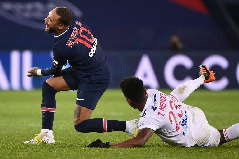 Neymar: Paris St-Germain diz que a lesão do atacante brasileiro é 'tranquilizadora'
